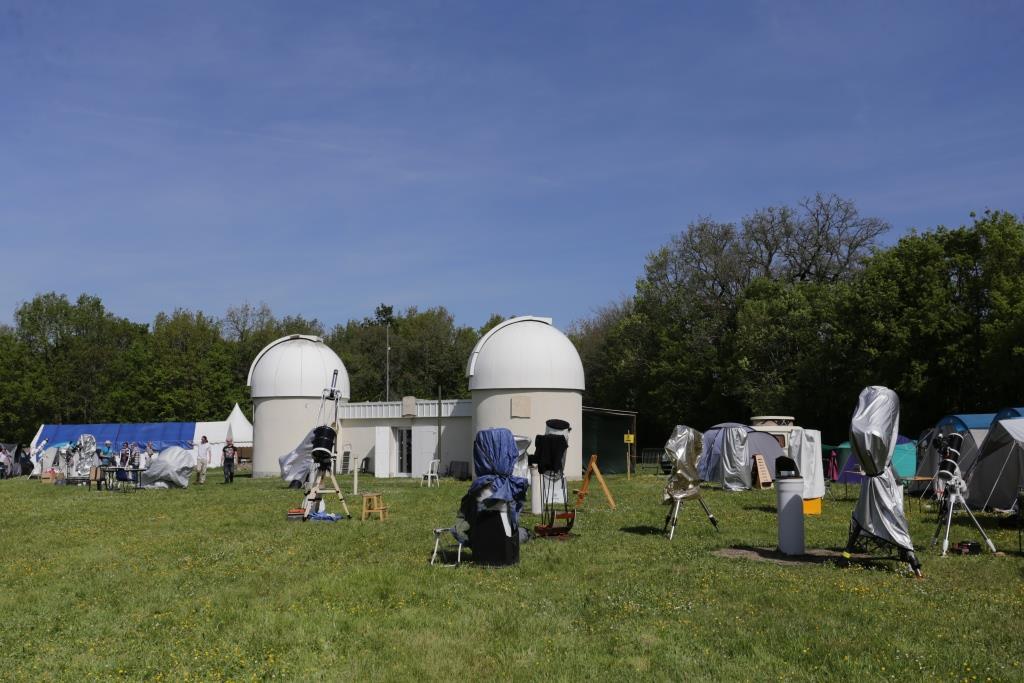 Tauxigny et les deux observatoires